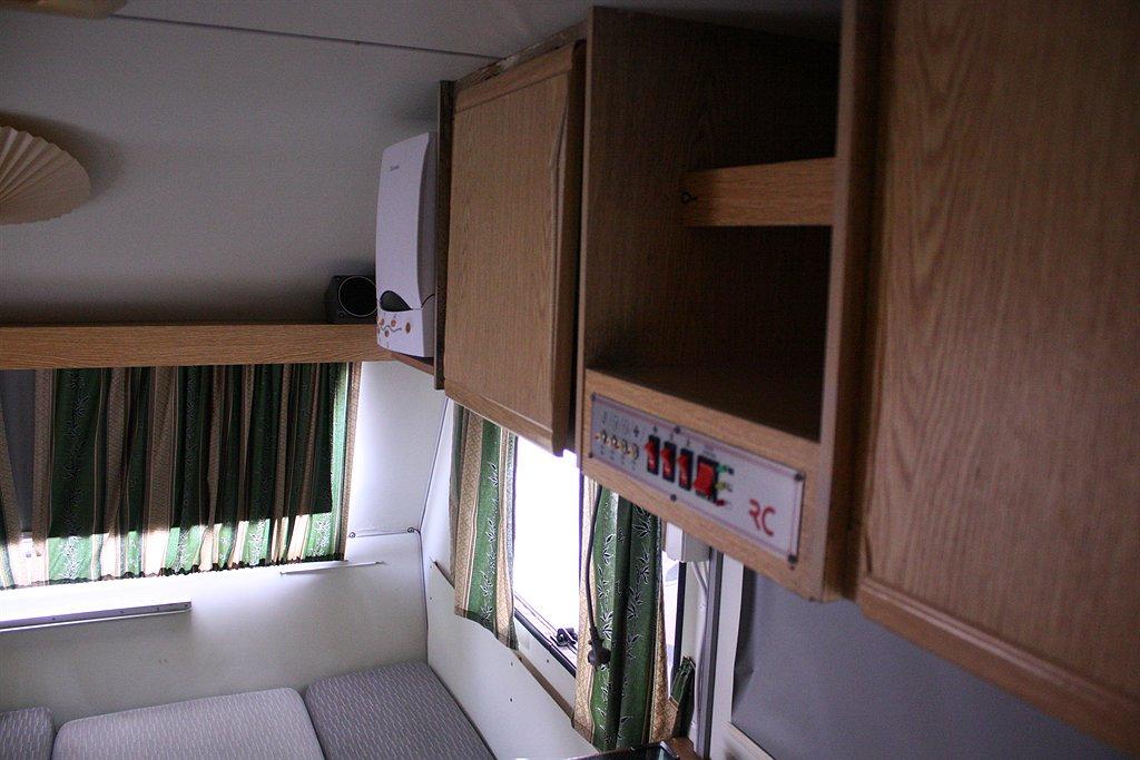 rc caravan 400
